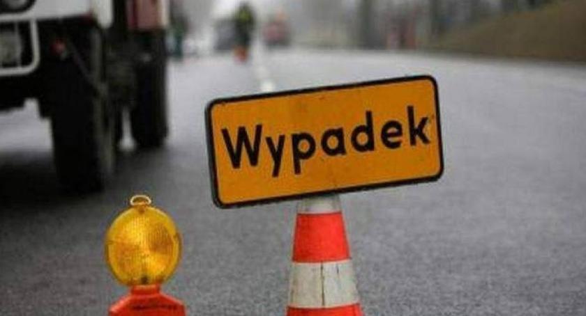Na sygnale, Seria wypadków drogach powiatu żyrardowskiego - zdjęcie, fotografia