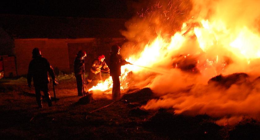 Na sygnale, Niemieryczew matka wyprowadziła dzieci płonącego - zdjęcie, fotografia